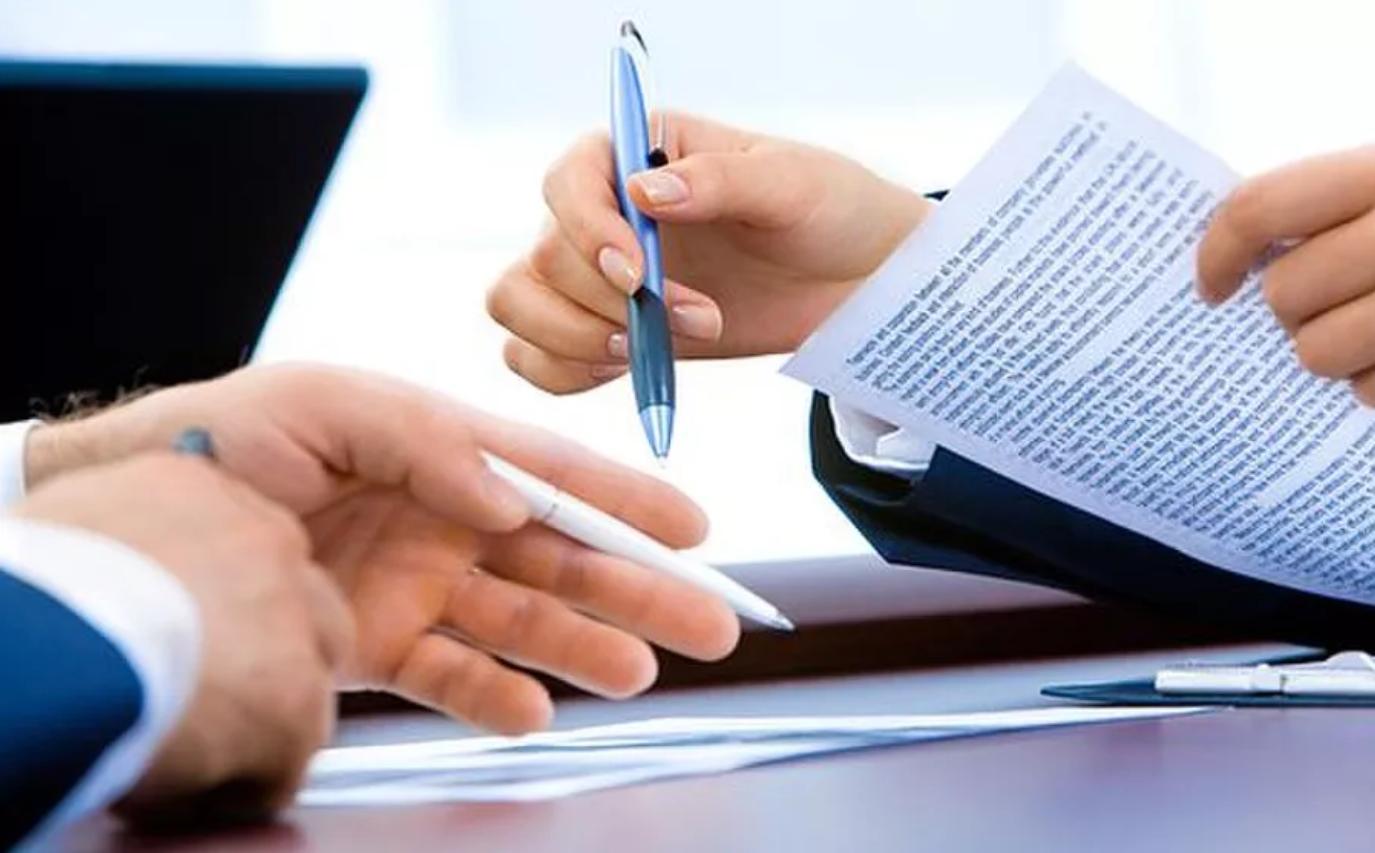 Hoge Raad: finale kwijtingsbepaling in de vaststellingsovereenkomst staat eraan in de weg dat werknemer aansprakelijk is voor schade