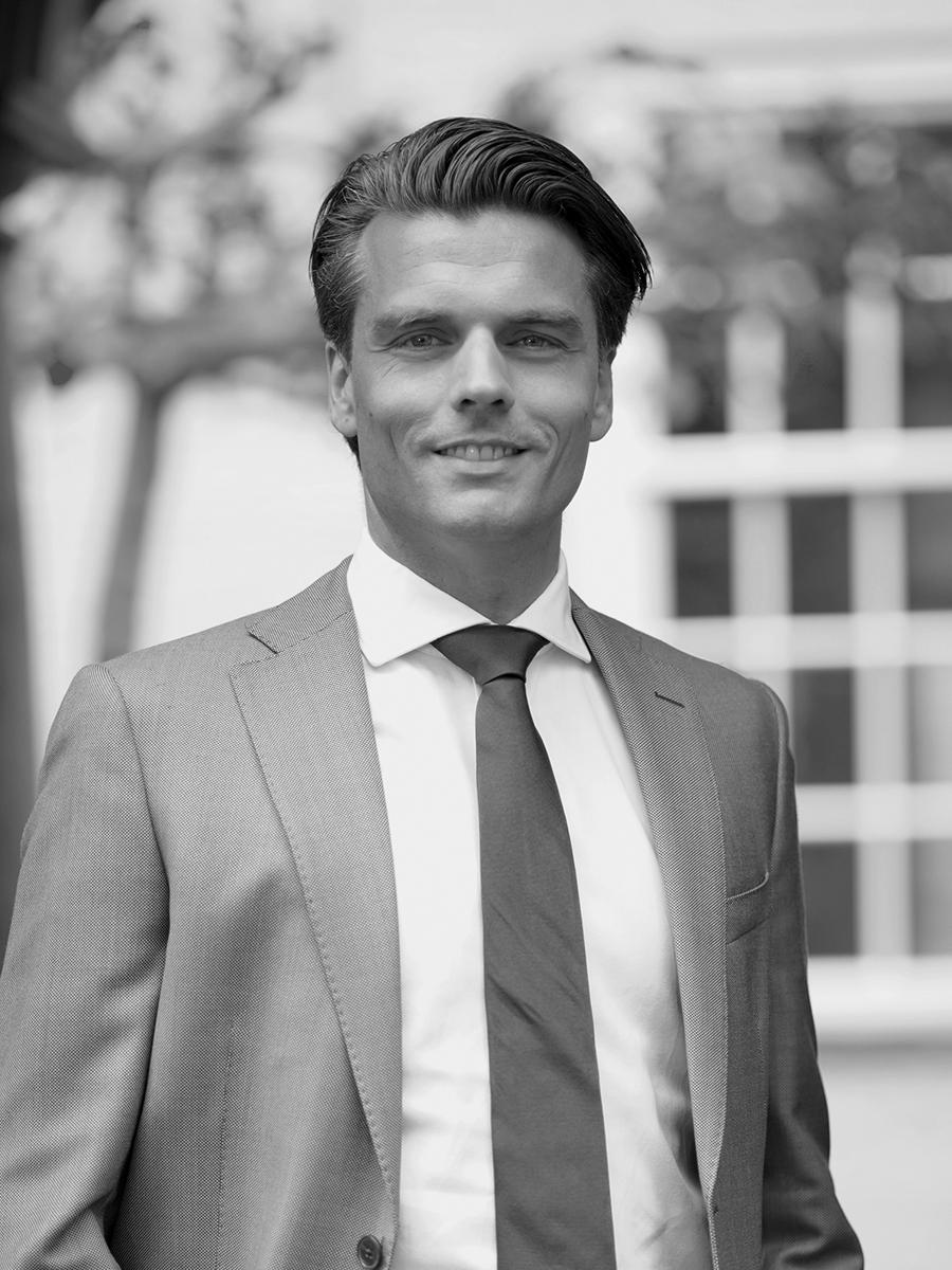 mr. T. van Liempd